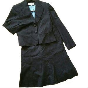 Jones New York beautiful classic skirt suit